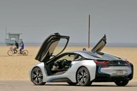 BMW i8 por detrás